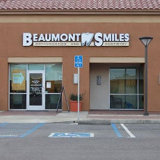 Beaumont Smiles Dentistry and Orthodontics store front thumb