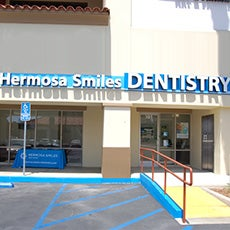 Hermosa Smiles Dentistry store front thumb