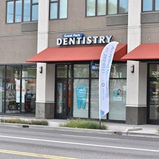Grant Park  Dentistry store front thumb