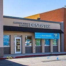Mission Hills Modern Dentistry vista del frente de la tienda