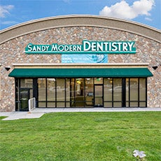Sandy Modern Dentistry store front thumb