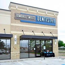 Tomball Smiles Dentistry store front thumb