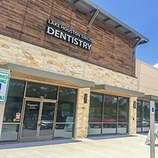 Lake Houston Smiles Dentistry store front thumb