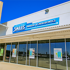 Kitty Hawk Smiles Dentistry and Orthodontics store front thumb
