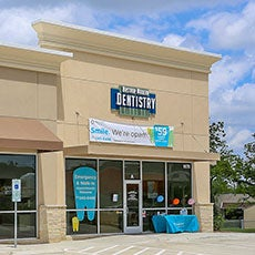 Bastrop Modern Dentistry store front thumb