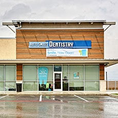 Hutto Smiles Dentistry store front thumb