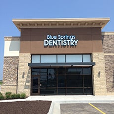Blue Springs Dentistry store front thumb