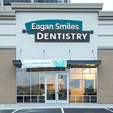 Eagan Smiles Dentistry store front thumb