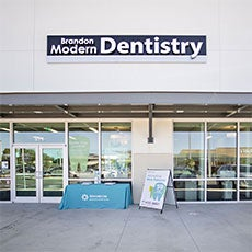Brandon Modern Dentistry store front thumb