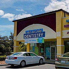 Lady Lake Smiles Dentistry store front thumb